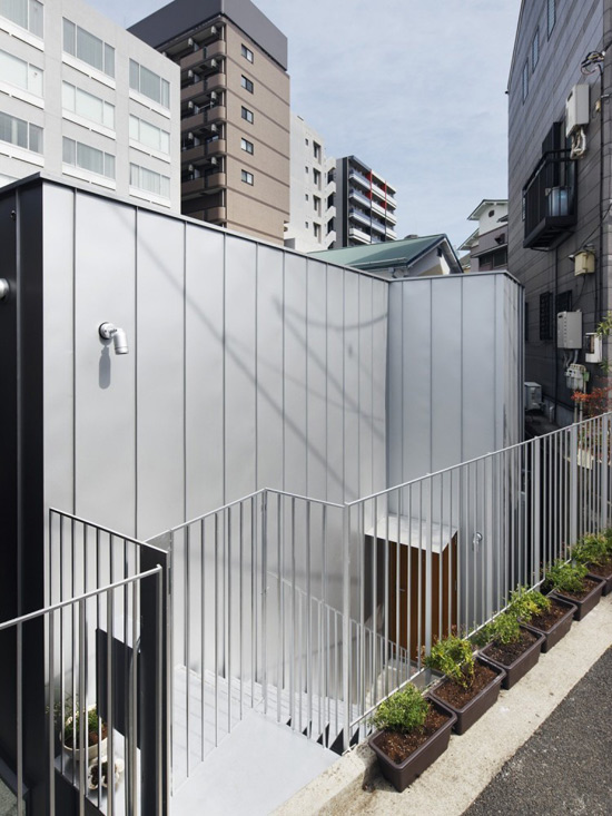 Windowless Daylight House – Contradiction in Terms?