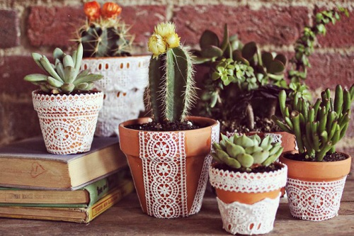 flower pots decorated with lace