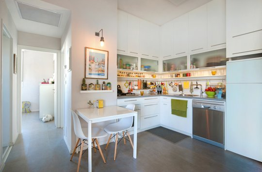 young couples apartment small-kitchen-tel-aviv