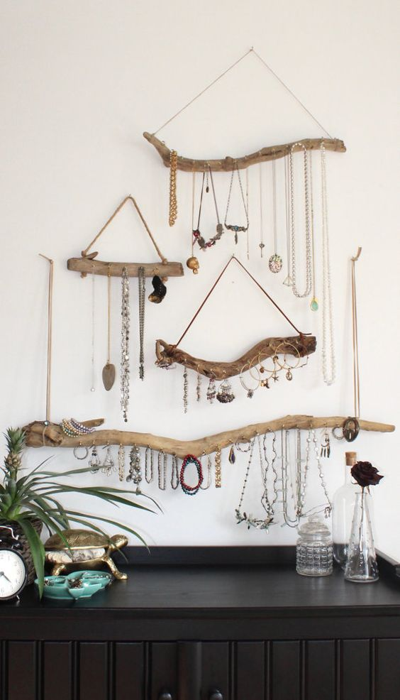 wall decor ideas driftwood jewlery holder